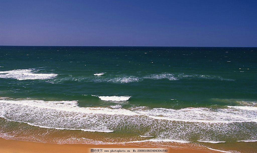 海滩 风景 自然景观 自然风光 浪花 海浪 蓝天 沙滩 海水 大海 其他