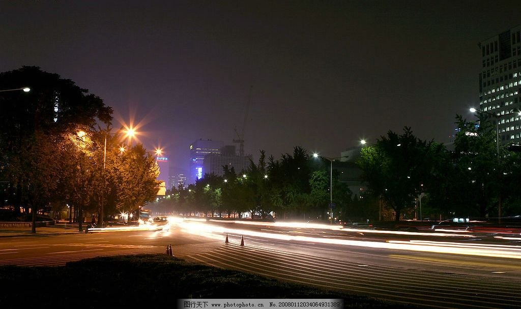 城市夜景 城市 夜景 道路 树木 旅游摄影 国外旅游 摄影图库 300 jpg