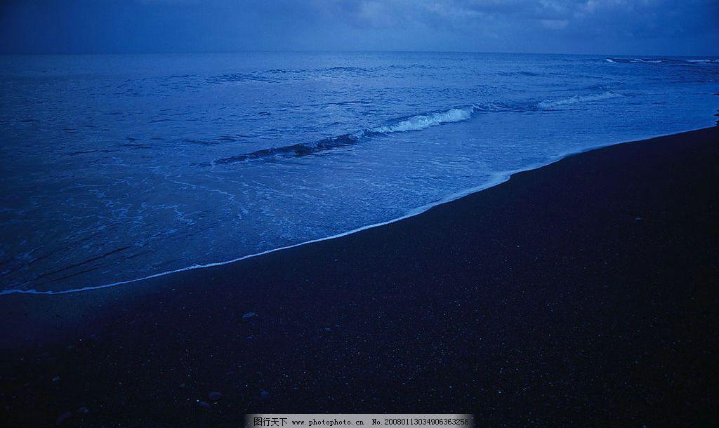 海滩夜景 风景 自然景观 自然风光 景 海滩 沙滩 大海 海水 夜景 其他