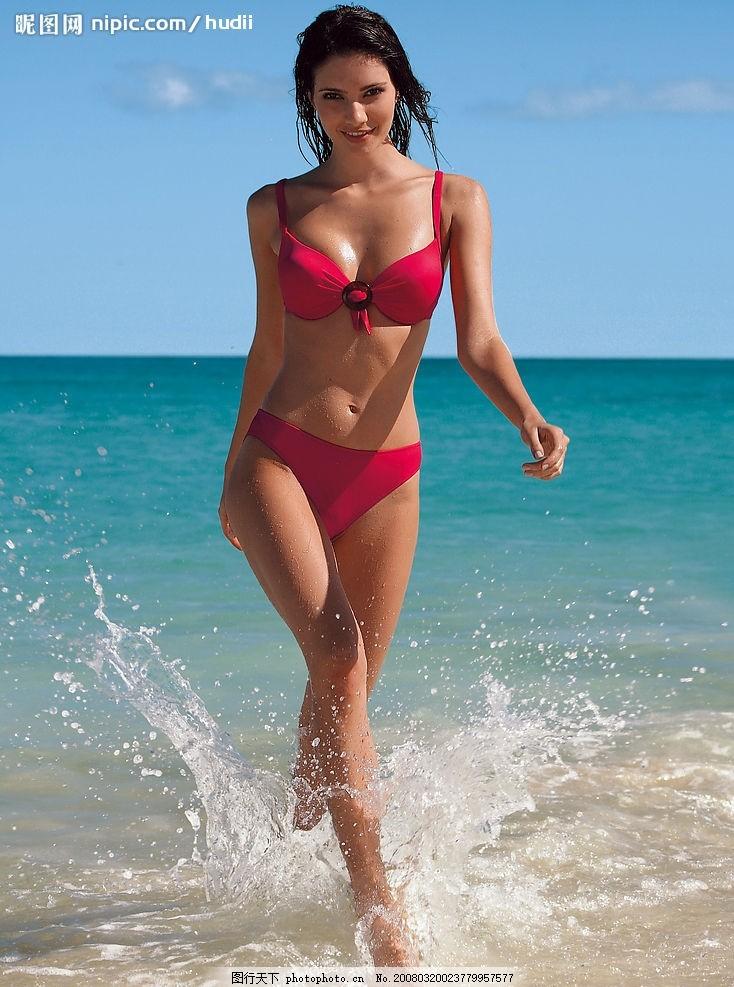 海边模特 欧洲 著名 内衣 泳装 美女 女性女人 泳装风景 摄影图库