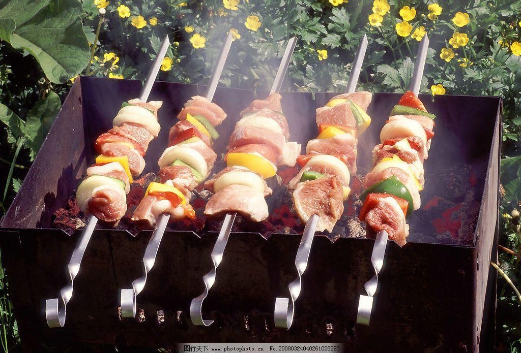 美味烧烤 肉串 羊肉串 烧烤 餐饮美食 传统美食 烧烤图片 摄影图库